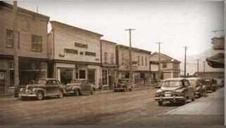 Canyon_Street_in_Creston_circa_1940_s
