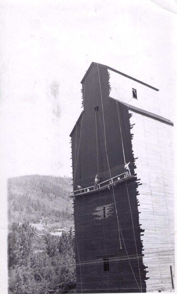 Wynndel grain elevator, 1935, near Creston BC